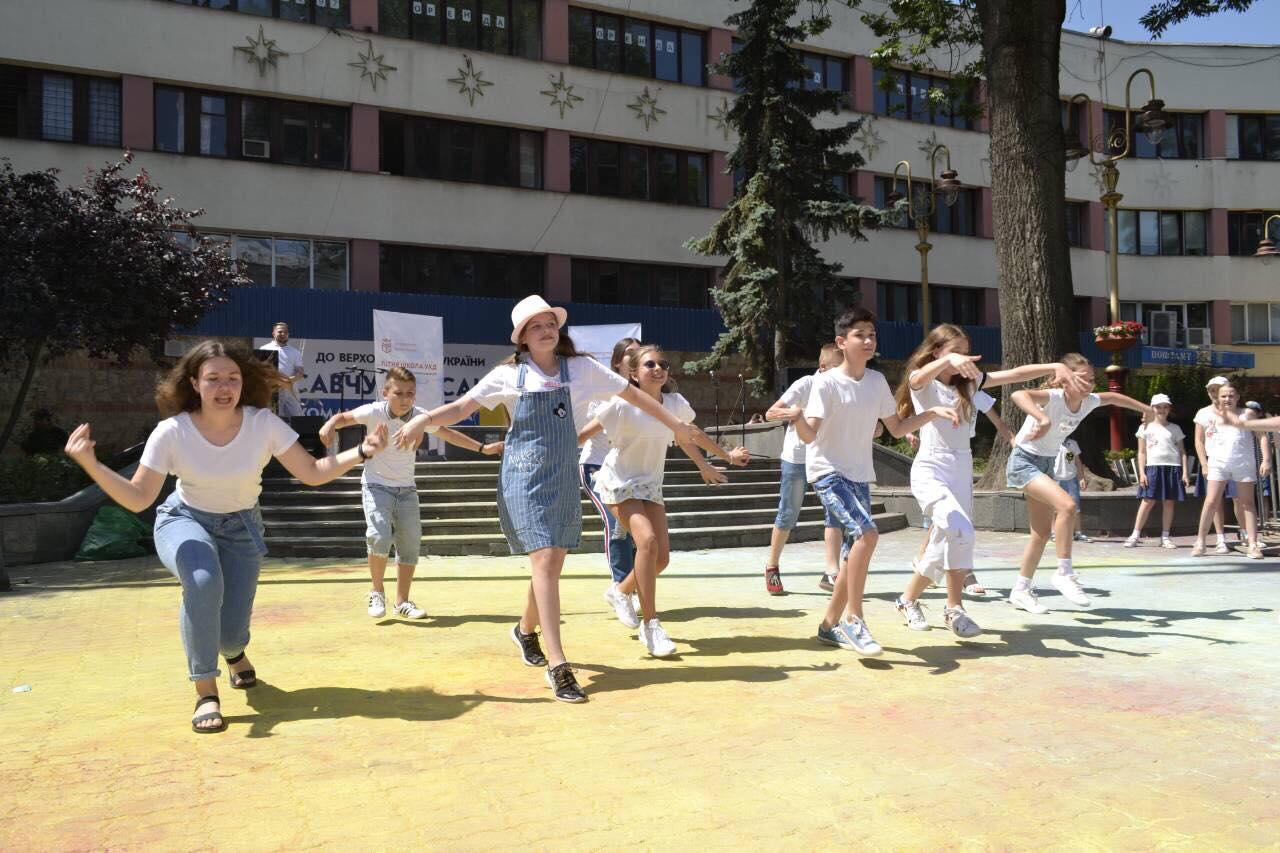 ІТ-технології, 3D-графіка, вокал та іноземні мови: в Івано-Франківську працює унікальна «Літня школа УКД»