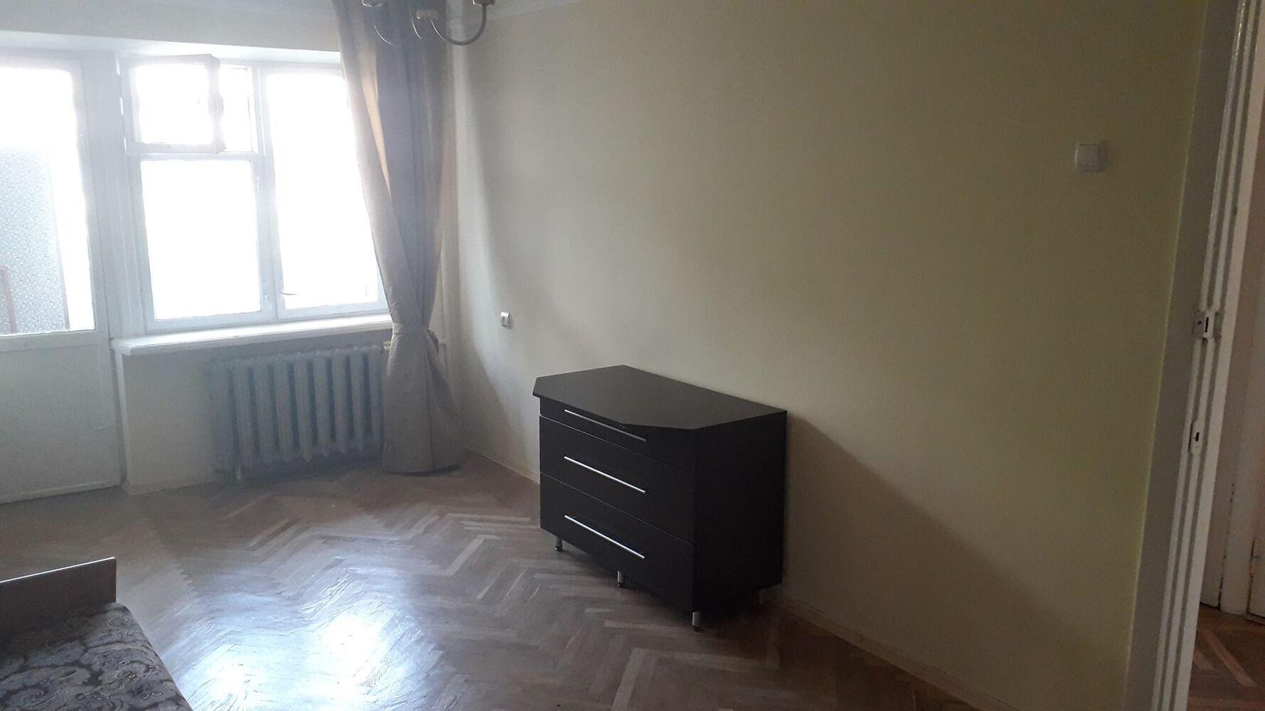 Продам 3-кімнатну квартиру.