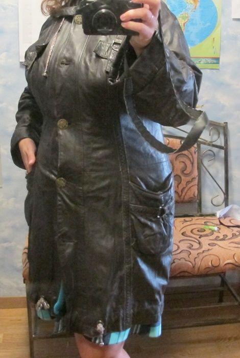 Шкіряна куртка жіноча 48 розміру, довжина 90 см, тонка шкіра, відмінної якості