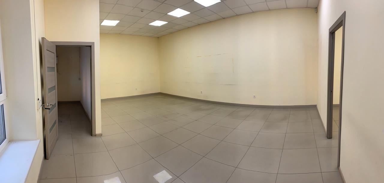 Приміщення під банк, офіс, магазин в центрі Івано-Франківська