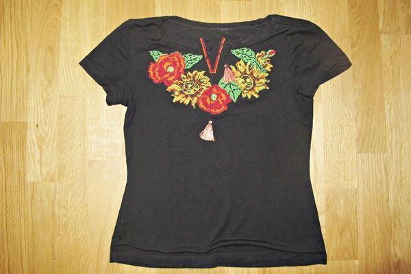 Вишиванка-футболка S, 44 розмір, віскоза, трикотаж