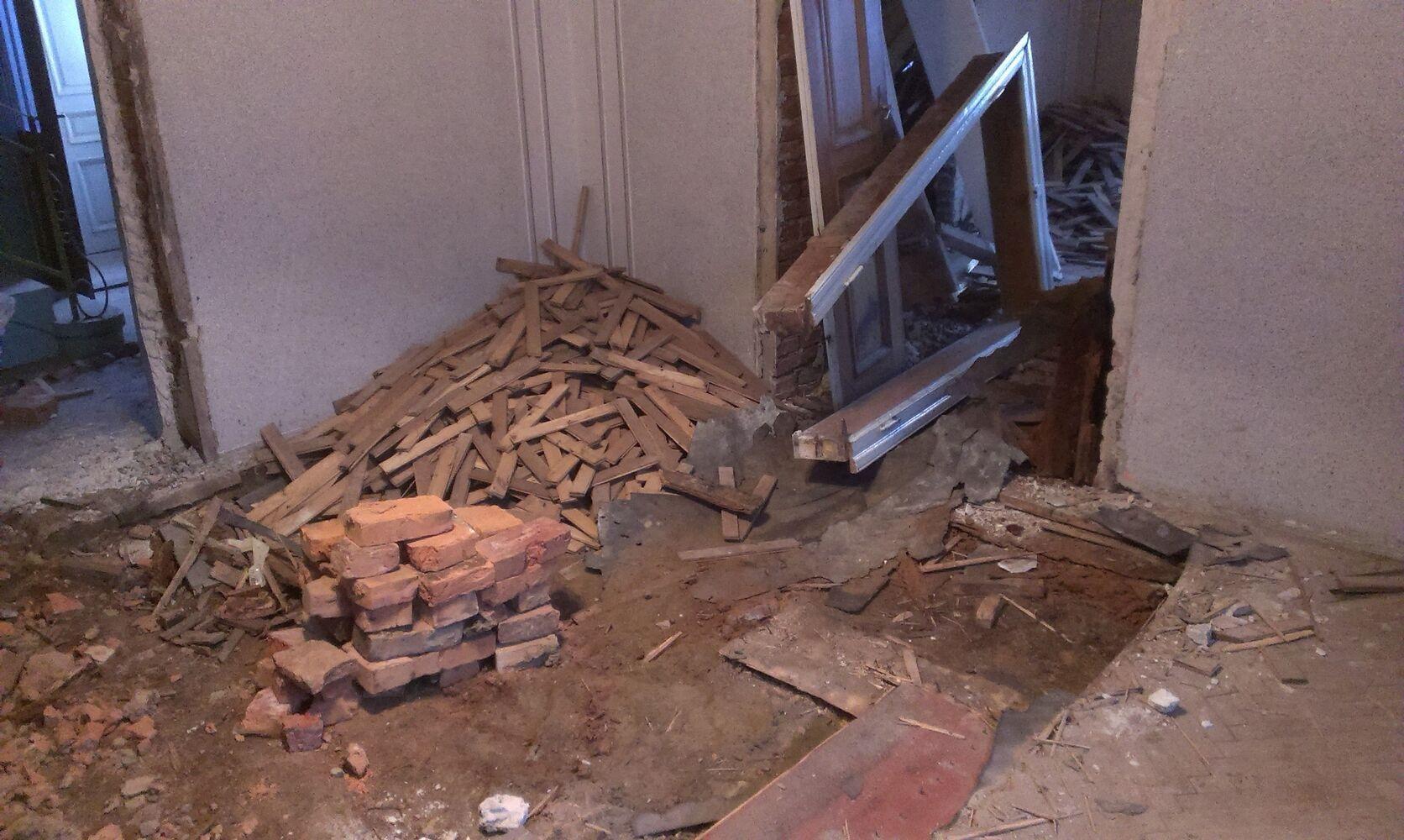Демонтаж, прибирання (підлоги, паркету, дачі, бруківки, пічок)
