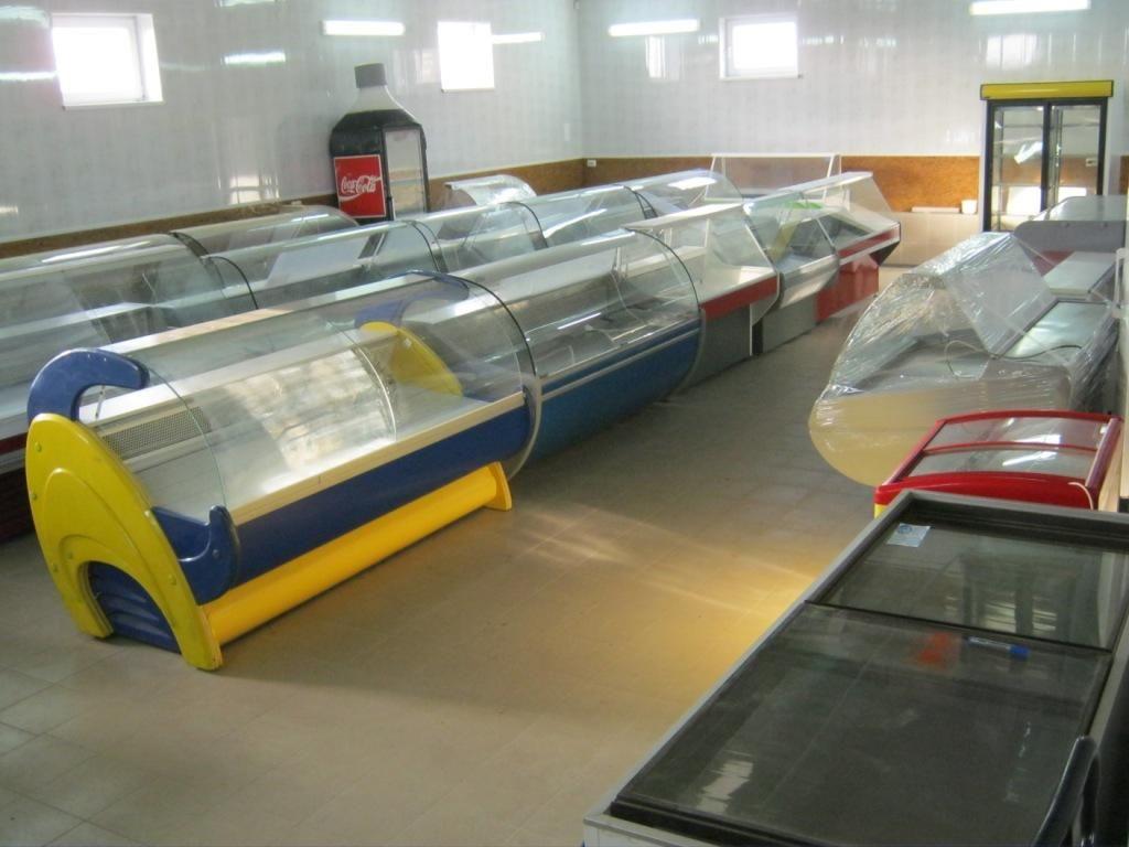 Холодильне обладнання фирми freddo