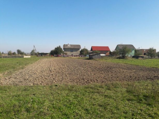 Продам земельну ділянку у Старому Лисці