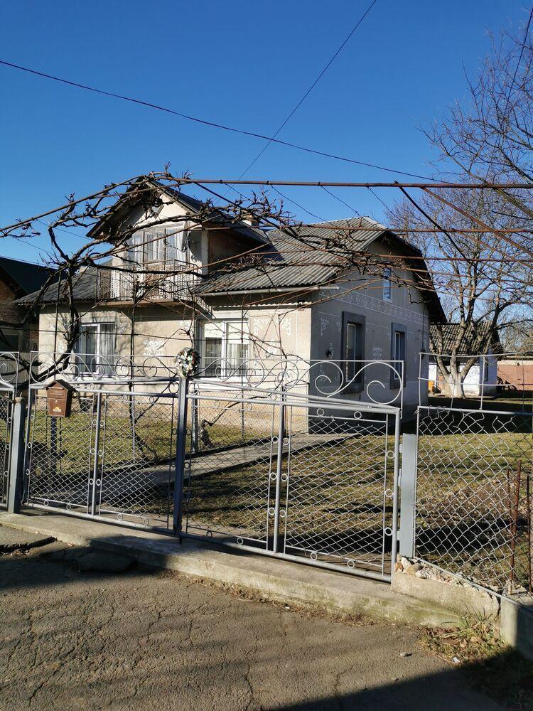 Продам будинок в Калуші, житловий масив Хотінь, вулиця Шкрумеляка