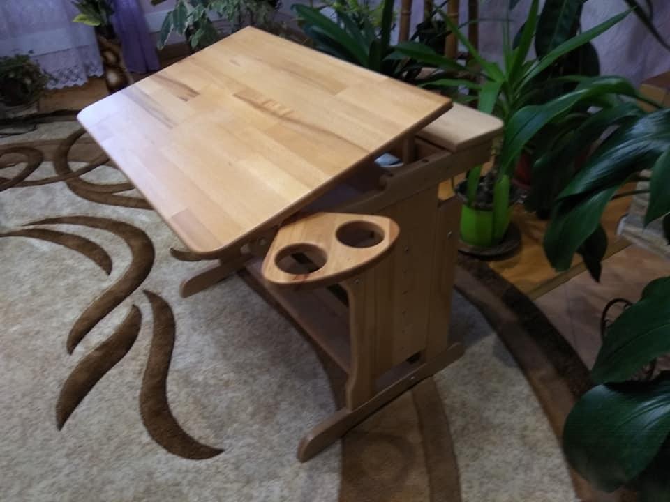 Дерев'яний столик-парта