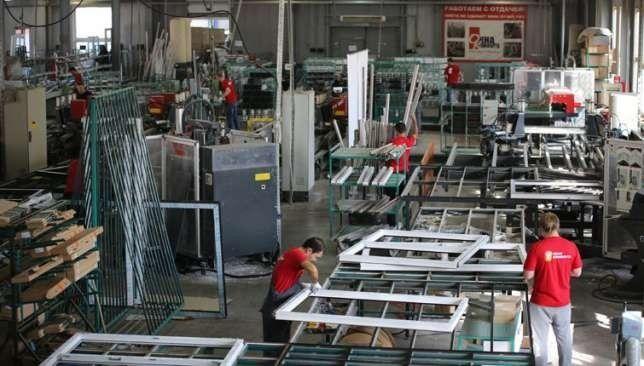 Легальна робота в Польщі для чоловіків: робітники на завод