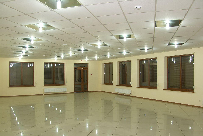 Здається в оренду комерц. приміщення в Калуші пл. 118-250 або 300 кв.м
